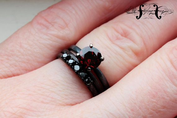 TheFlyingFoxArts Garnet and black diamond - madeofjewelry