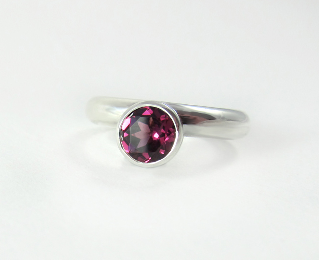 Fairina Cheng Full Circle ring - madeofjewelry
