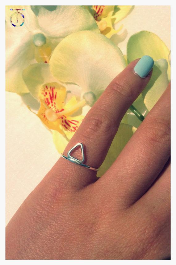 tara osborne pinky ring - madeofjewelry