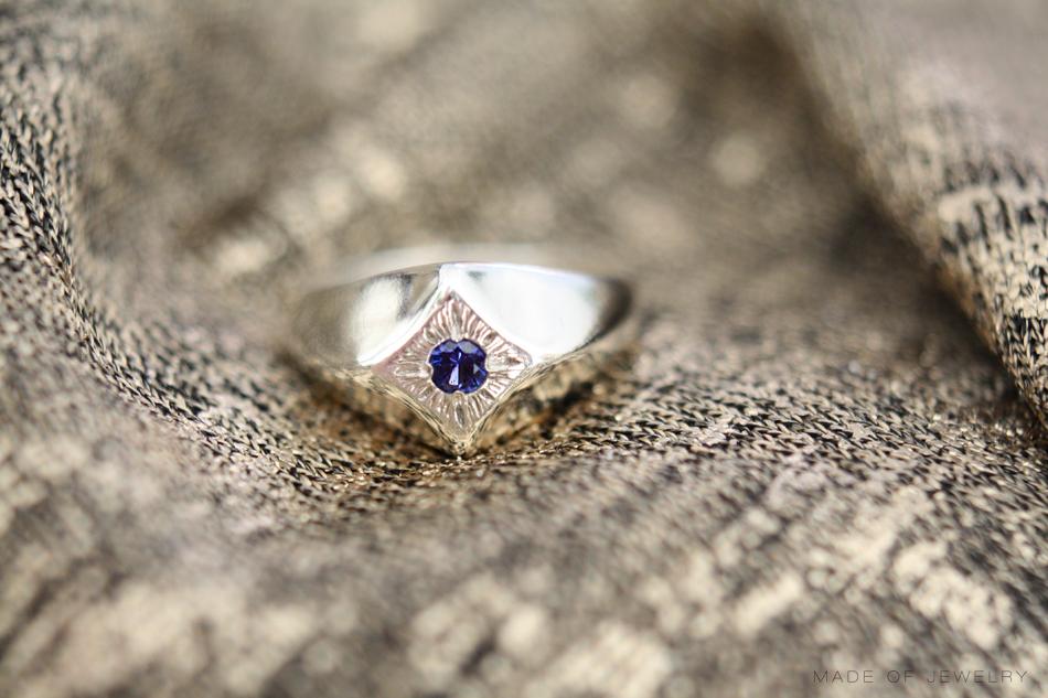 stefanie-sheehan-signet-madeofjewelry